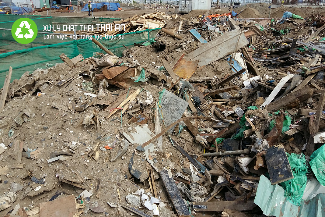 Lưu, chứa rác thải xây dựng