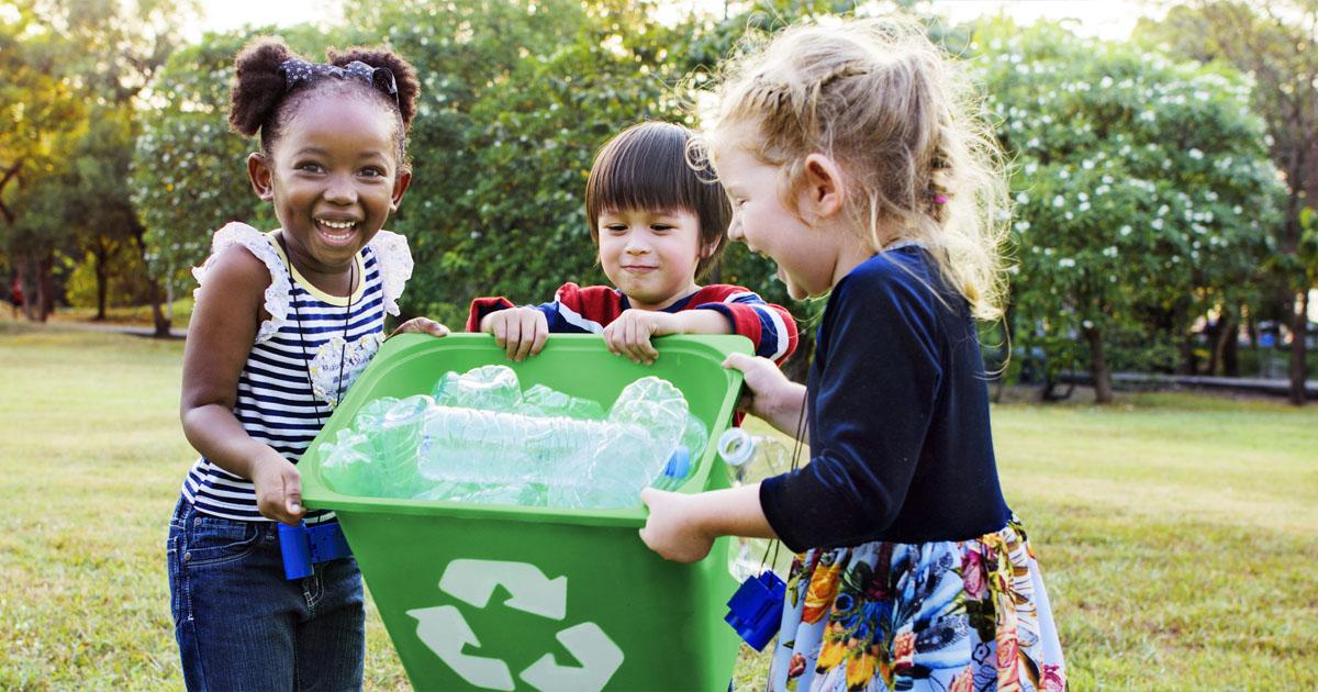 Phân loại và vứt rác đúng nơi quy định