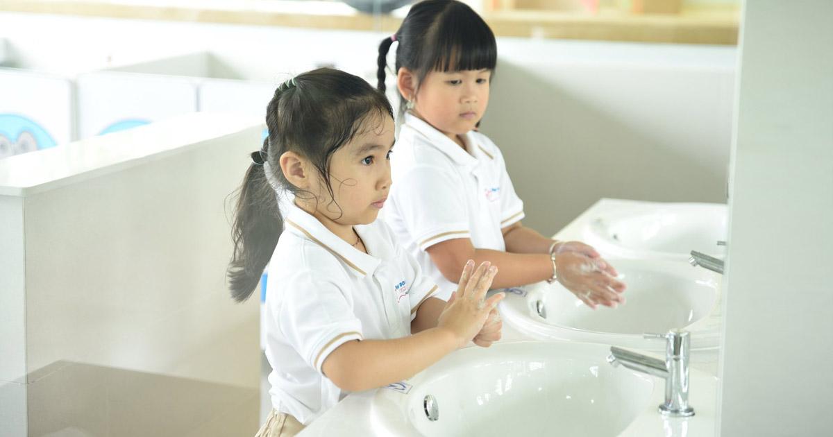 dạy trẻ kỹ năng bảo vệ môi trường